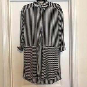 Black and white striped shirt/dress